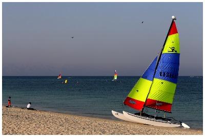 قایق بادبانی کیش |تفریحات آبی کیش| گشتانو: رزرو تفریحات آبی کیش|گشتانو:گردشگری در کیش