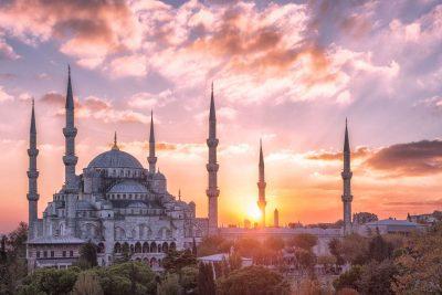 رزرو تور لیدر و مترجم ۲۴ ساعته در استانبول | رزرو آنلاین راهنمای تور استانبول