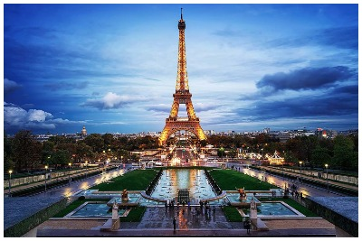 راهنما و تورلیدر فارسی زبان در پاریس جهت گشت یا ترجمه و امور بازرگانی و دانشجویی