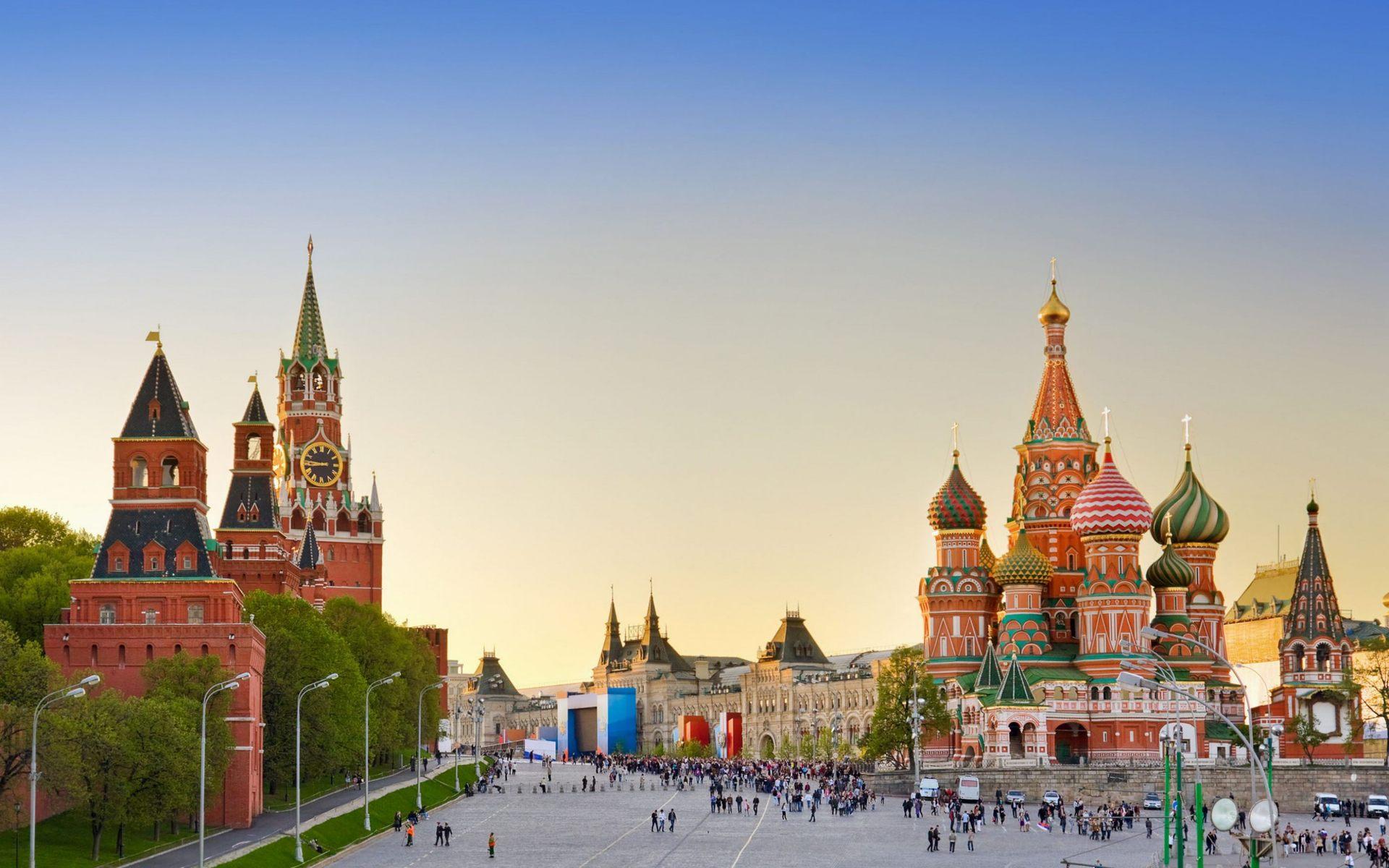 لیدر مسکو |رزرو آنلاین تور لیدر مسکو و مترجم مسکو و راهنمای محلی مسکو با کمترین قیمت